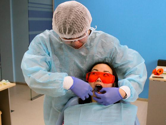 Протезирование и имплантация зубов в Элисте